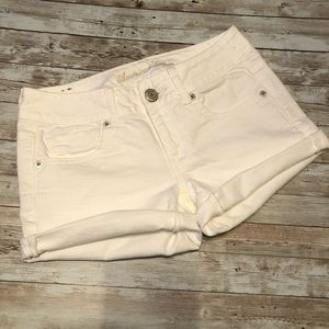 American eagle white jean shorts size 2